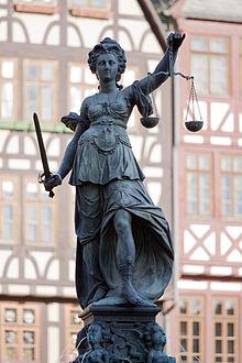 220px-Frankfurt_Am_Main-Gerechtigkeitsbrunnen-Detail-Justitia_von_Westen-20110408